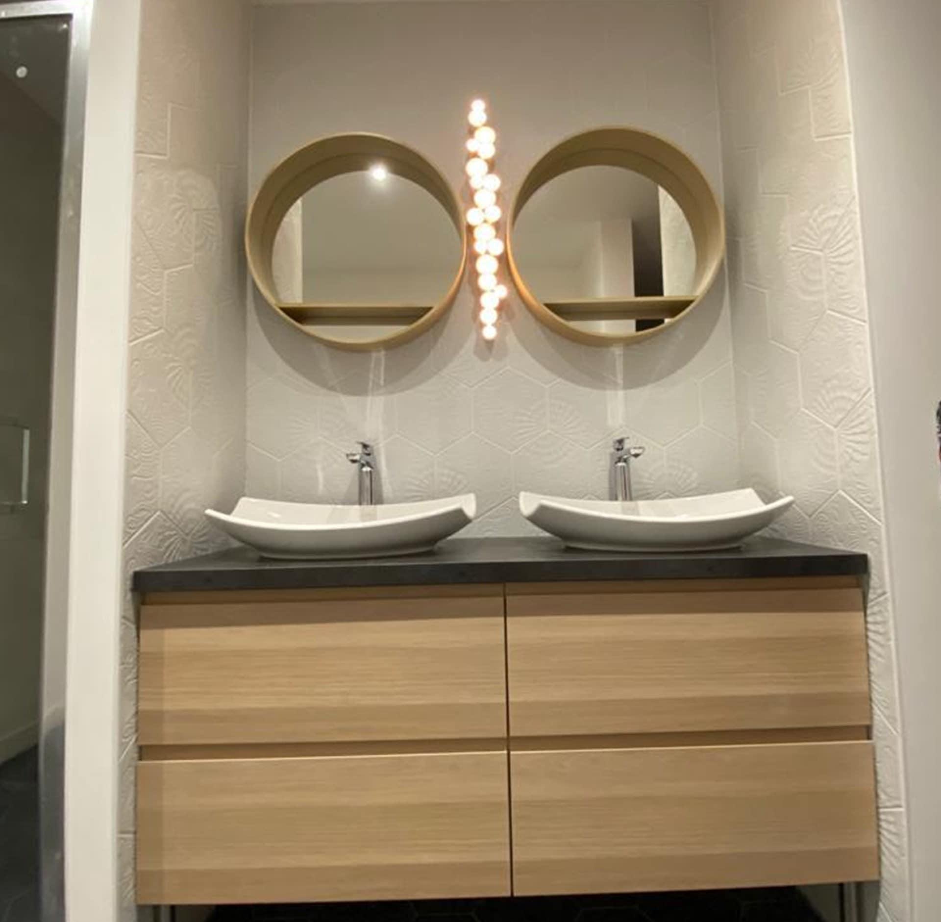 salle de bains à Gex