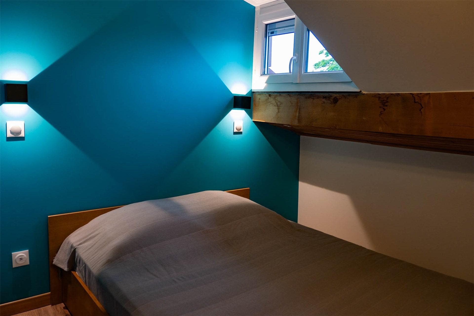 Image chambre bleue rénovée General Services Renovation Pays de Gex